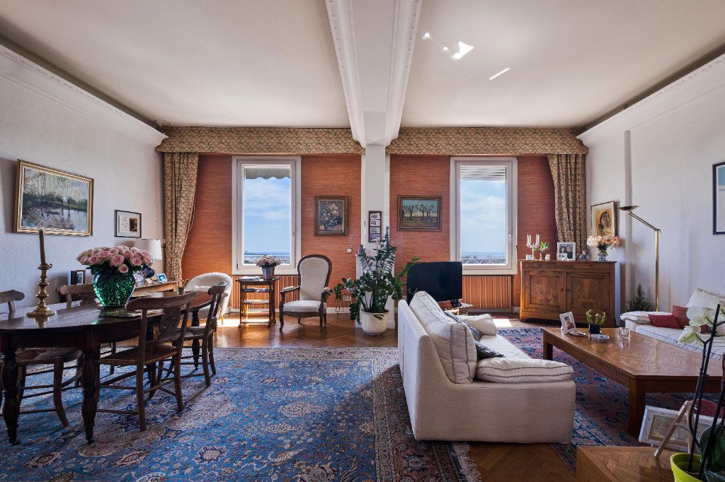 Appartement à vendre 4 155m2 à Cannes vignette-2