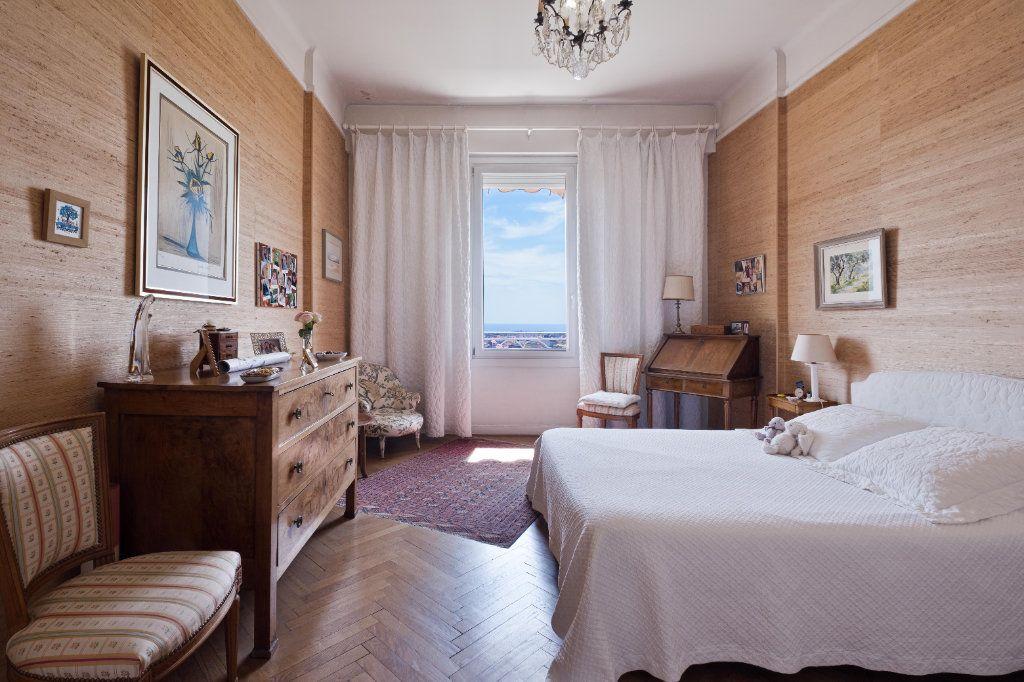 Appartement à vendre 4 155m2 à Cannes vignette-4