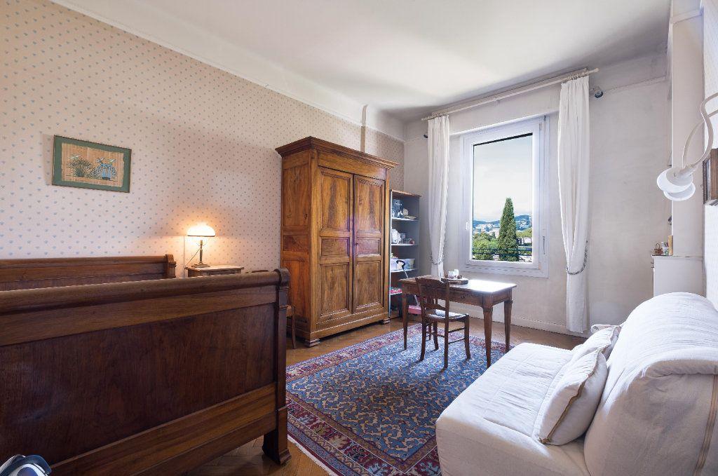 Appartement à vendre 4 155m2 à Cannes vignette-5