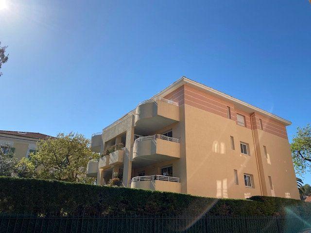 Appartement à vendre 3 74m2 à Cannes vignette-1