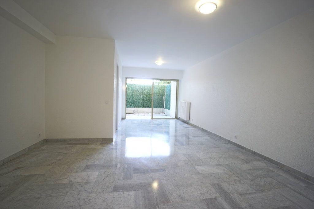 Appartement à louer 1 39.79m2 à Le Cannet vignette-3