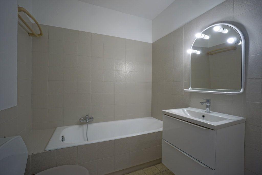 Appartement à louer 1 39.79m2 à Le Cannet vignette-4