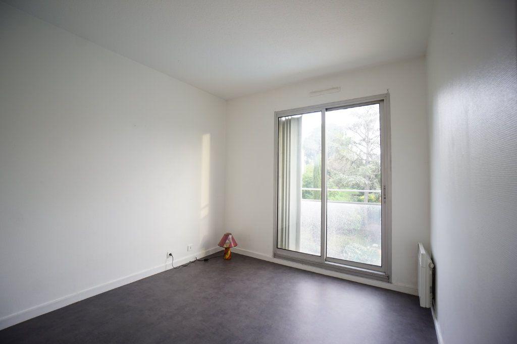 Appartement à louer 2 32.39m2 à Le Cannet vignette-6