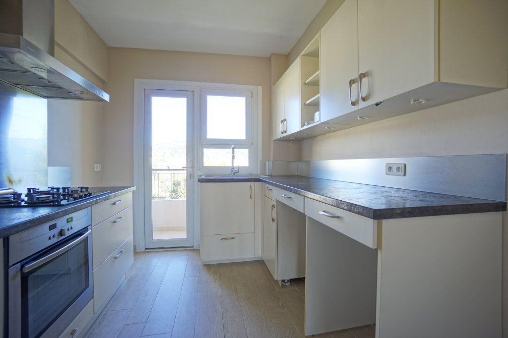 Appartement à louer 3 72.1m2 à Le Cannet vignette-6