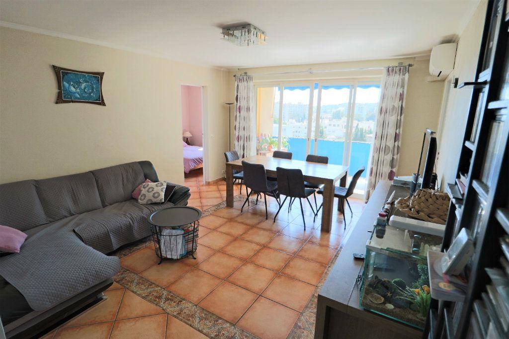 Appartement à vendre 4 69m2 à Le Cannet vignette-2