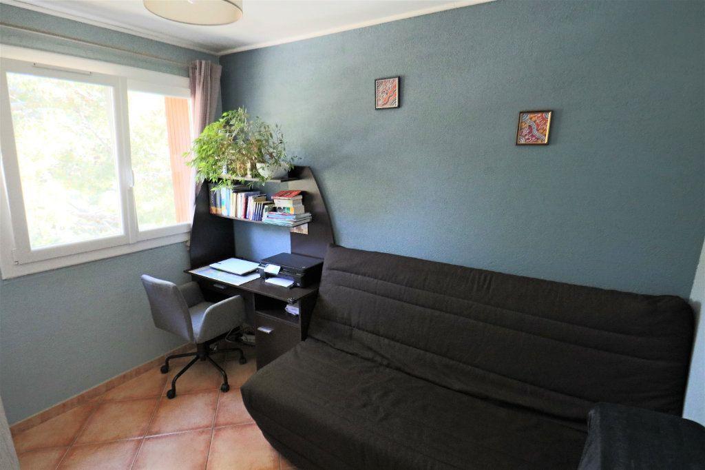Appartement à vendre 4 69m2 à Le Cannet vignette-5