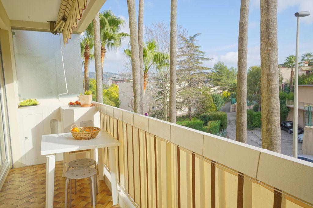 Appartement à vendre 3 62m2 à Cannes vignette-1
