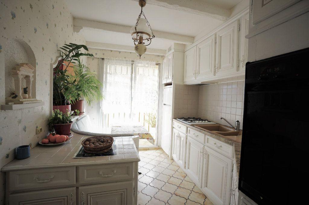 Appartement à vendre 3 62m2 à Cannes vignette-3