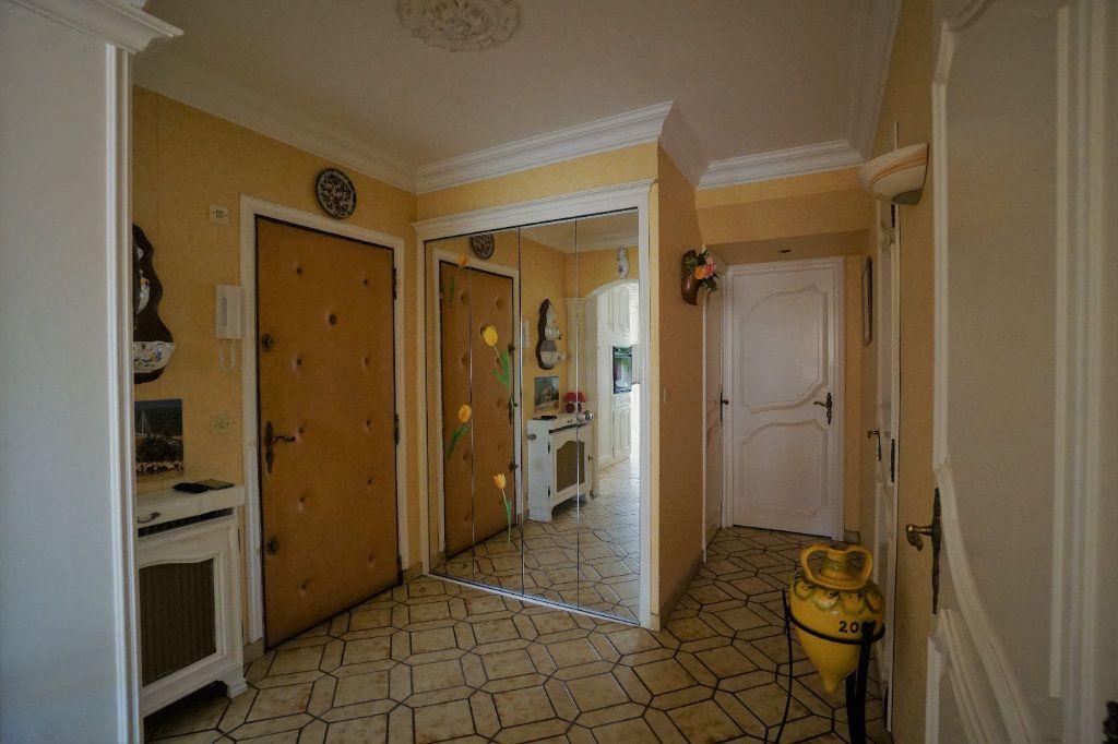 Appartement à vendre 3 62m2 à Cannes vignette-6