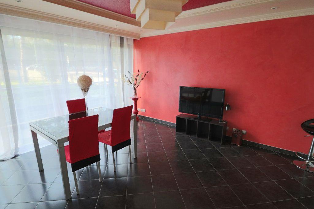 Appartement à vendre 3 70.56m2 à Le Cannet vignette-1