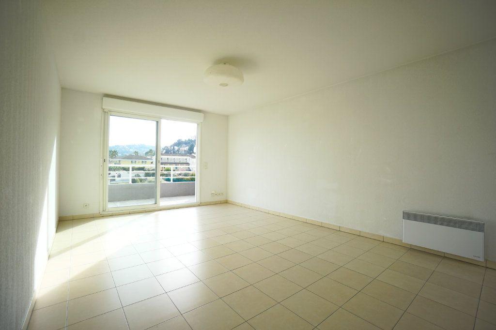 Appartement à vendre 3 68.6m2 à Mandelieu-la-Napoule vignette-3