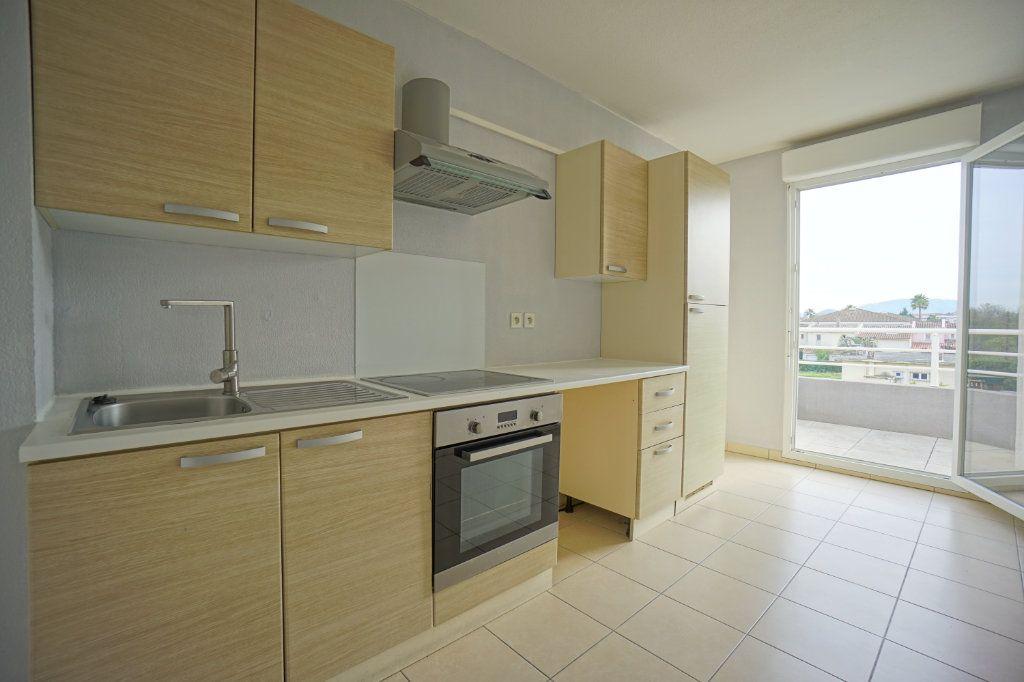 Appartement à vendre 3 68.6m2 à Mandelieu-la-Napoule vignette-4