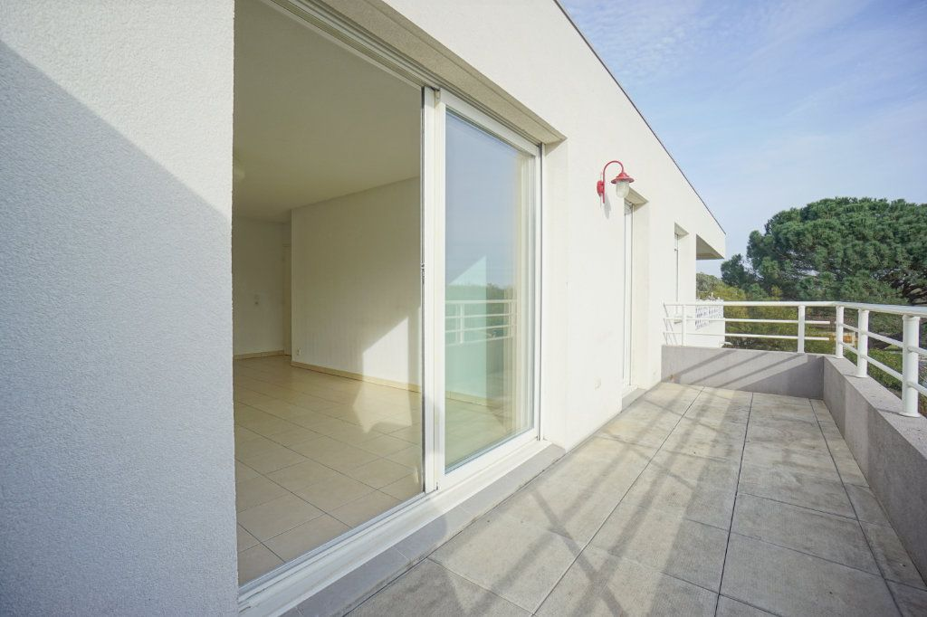 Appartement à vendre 3 68.6m2 à Mandelieu-la-Napoule vignette-7