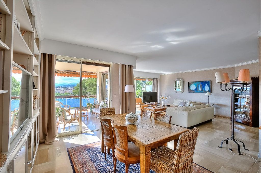 Appartement à vendre 4 110.63m2 à Le Cannet vignette-5