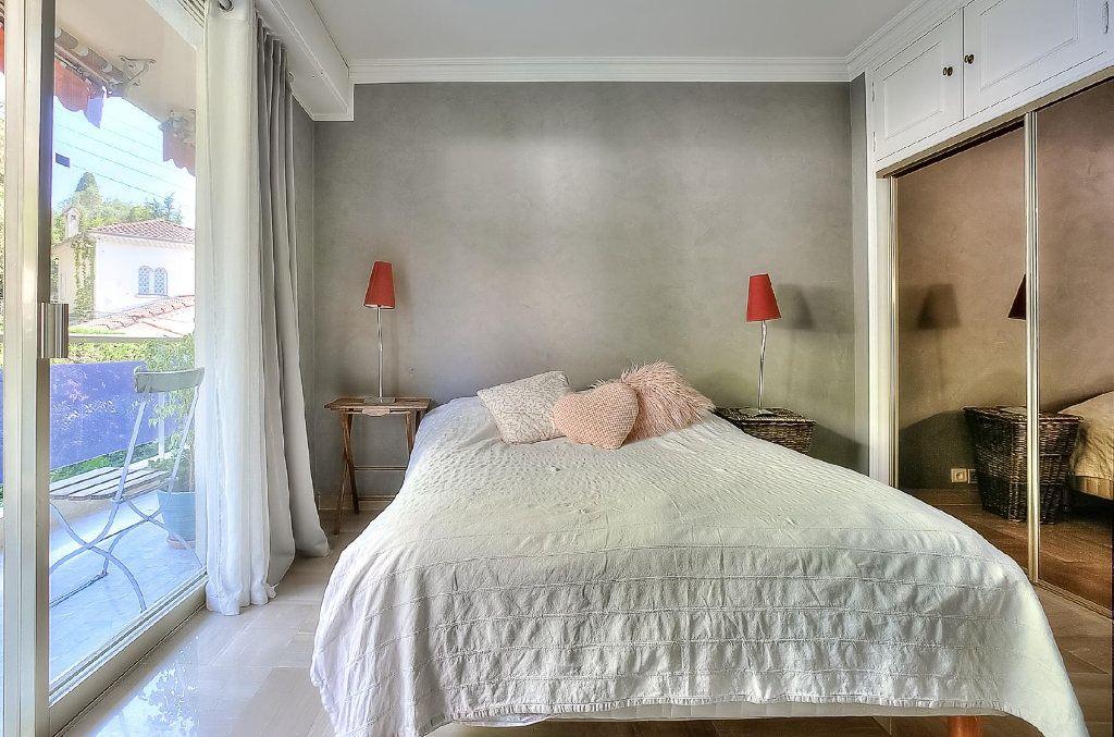 Appartement à vendre 4 110.63m2 à Le Cannet vignette-6