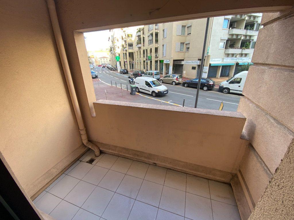 Appartement à vendre 2 25.86m2 à Cannes vignette-4