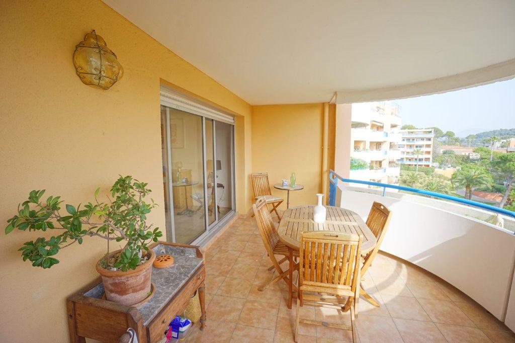 Appartement à vendre 3 72.45m2 à Cannes vignette-3