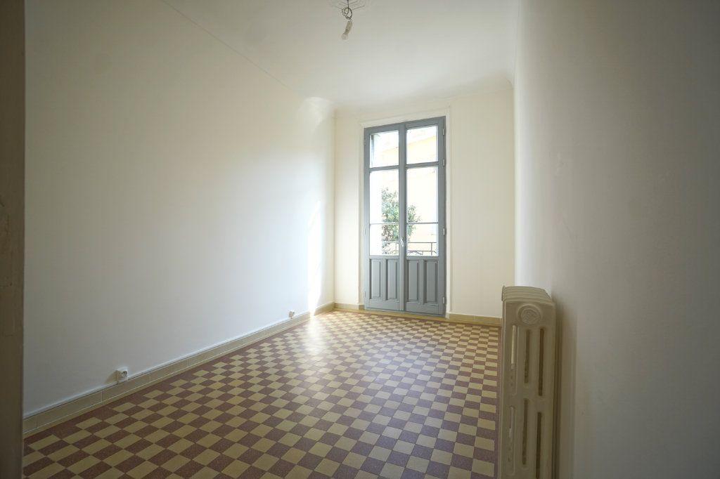 Appartement à louer 2 46.83m2 à Cannes vignette-1
