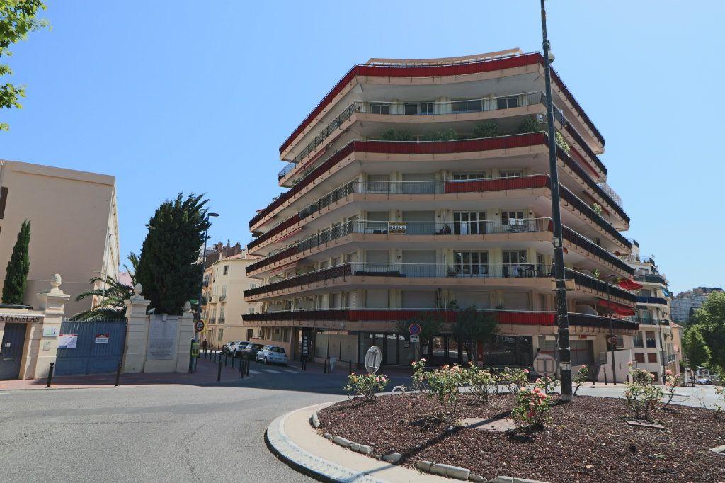 Appartement à vendre 2 53.19m2 à Cannes vignette-1