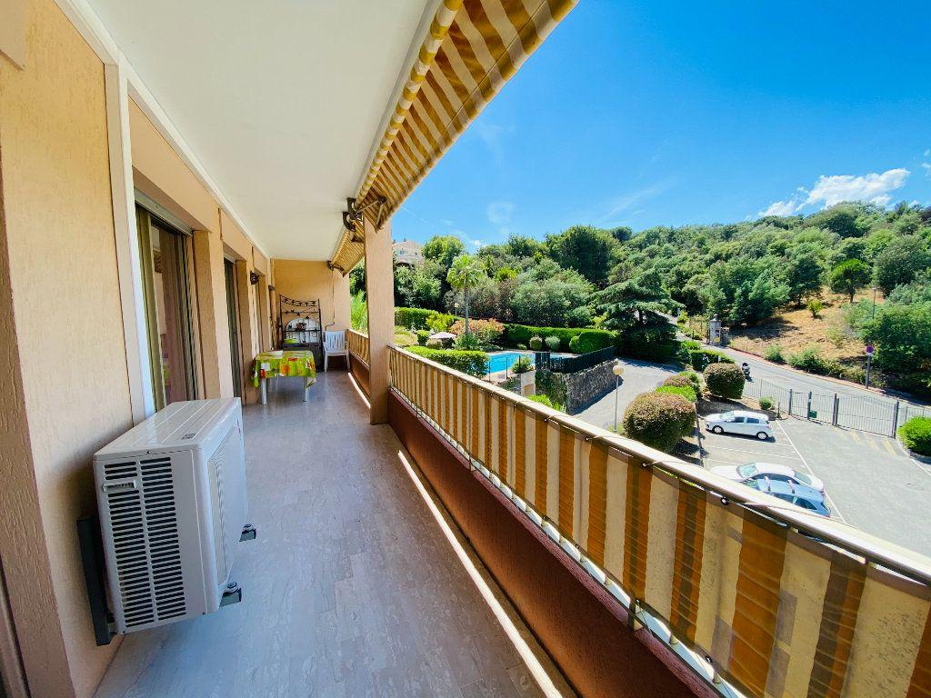 Appartement à vendre 3 61m2 à Cannes vignette-3