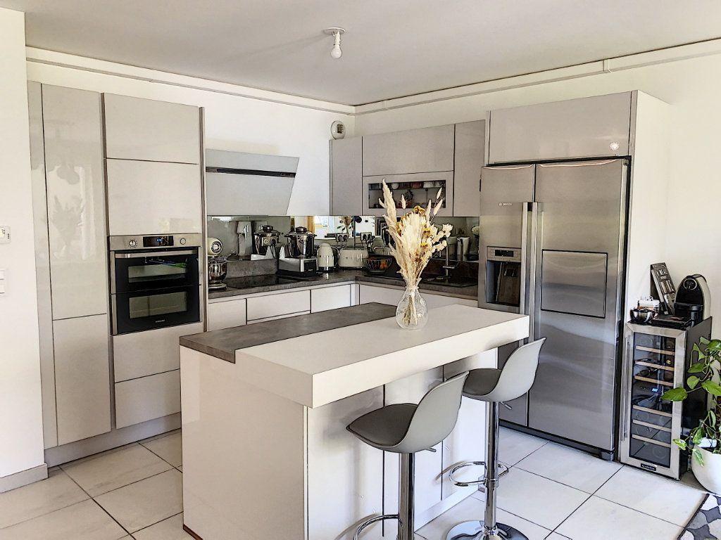 Appartement à vendre 3 75.16m2 à Mougins vignette-4