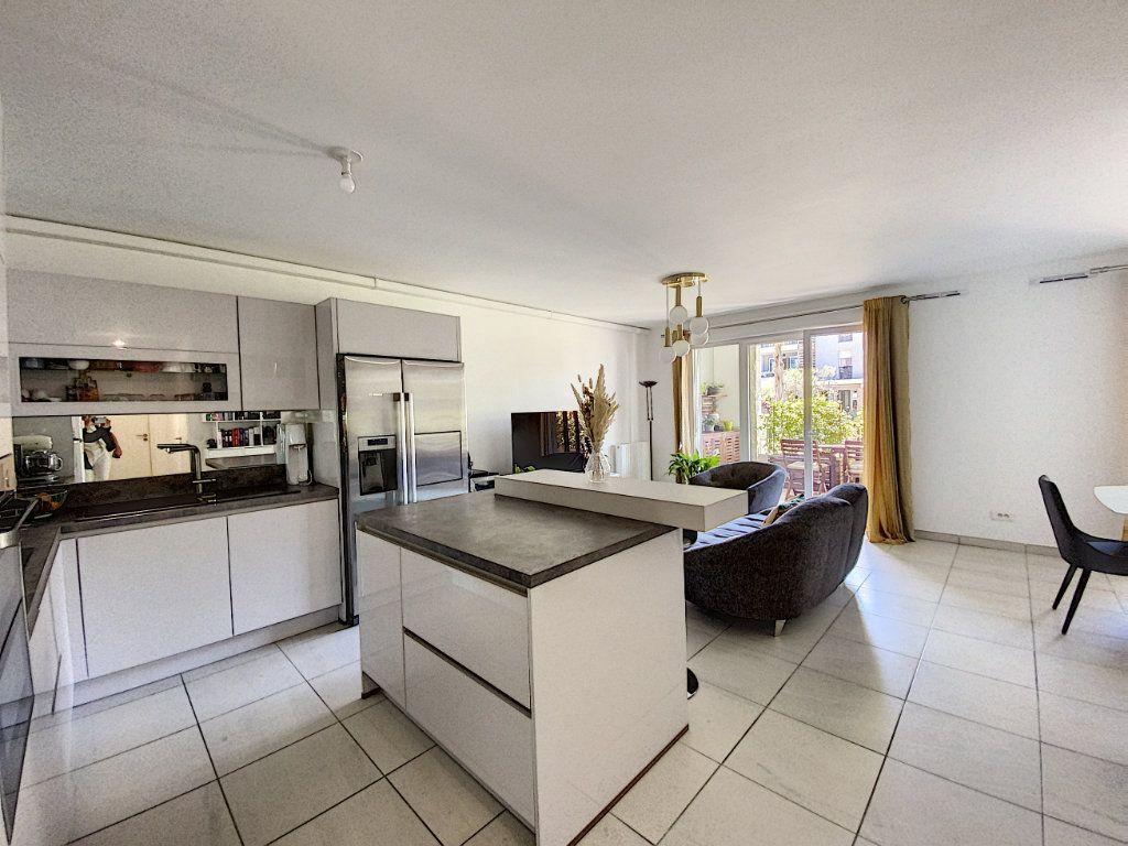 Appartement à vendre 3 75.16m2 à Mougins vignette-5