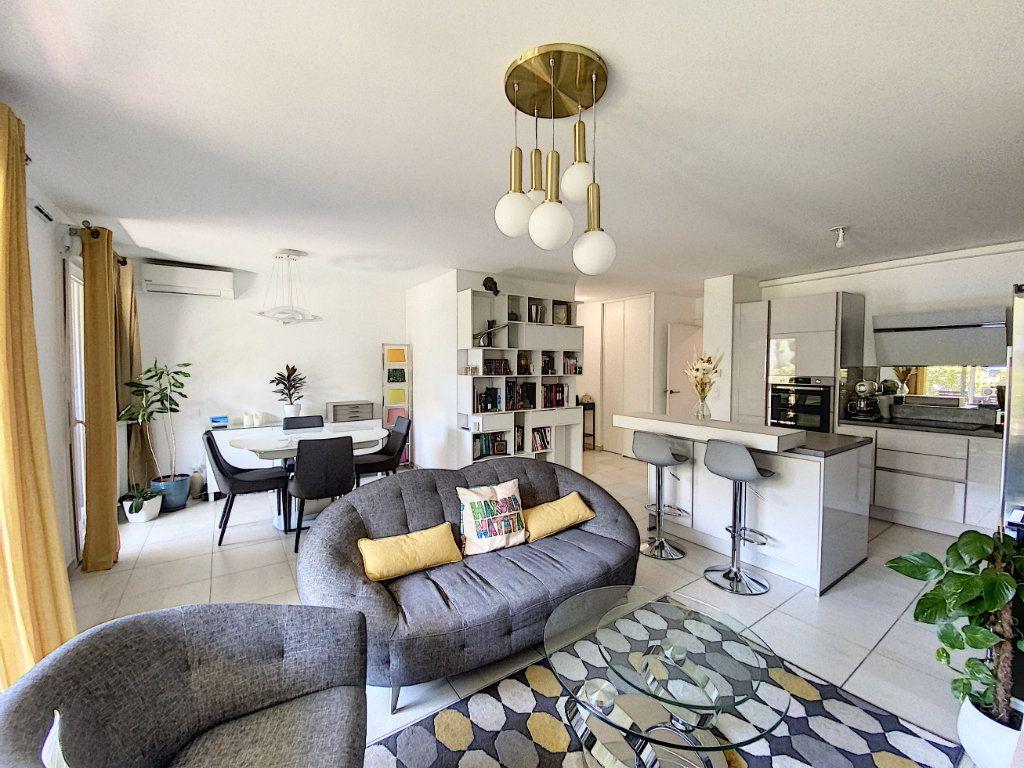 Appartement à vendre 3 75.16m2 à Mougins vignette-6