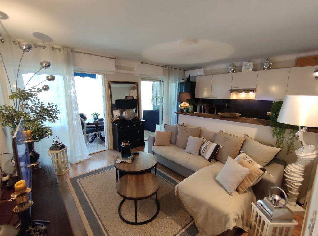 Appartement à vendre 1 35.72m2 à Cannes vignette-1