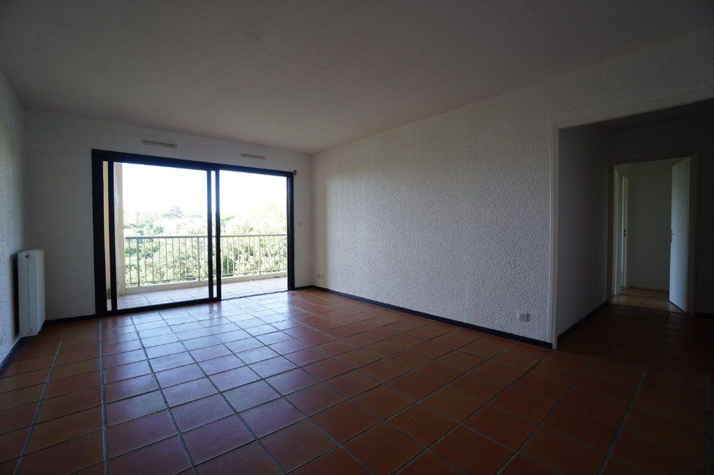 Appartement à louer 4 85.26m2 à Le Cannet vignette-3