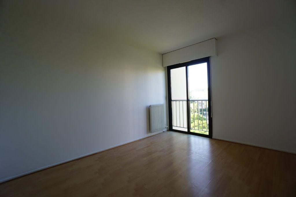 Appartement à louer 4 85.26m2 à Le Cannet vignette-5