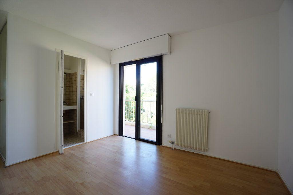 Appartement à louer 4 85.26m2 à Le Cannet vignette-6