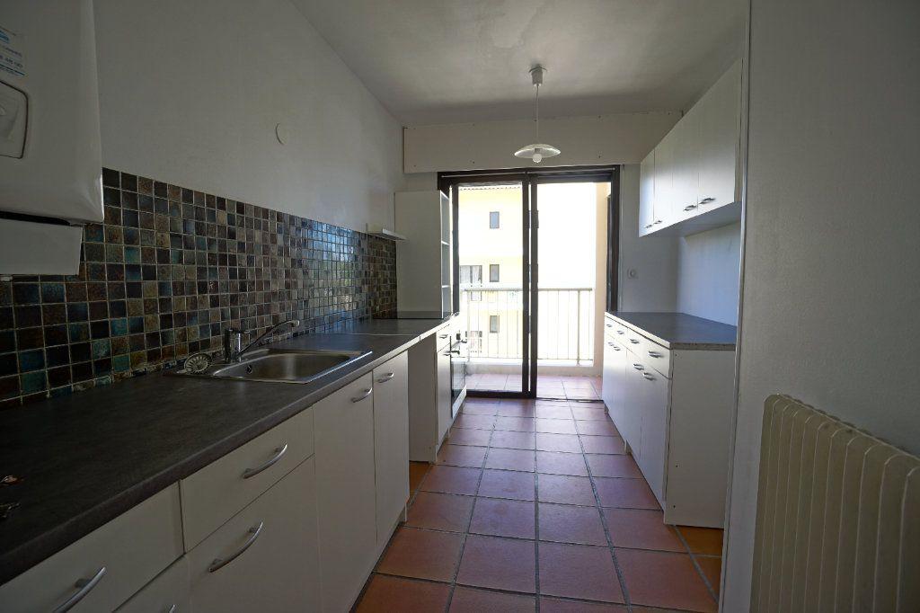 Appartement à louer 4 85.26m2 à Le Cannet vignette-8