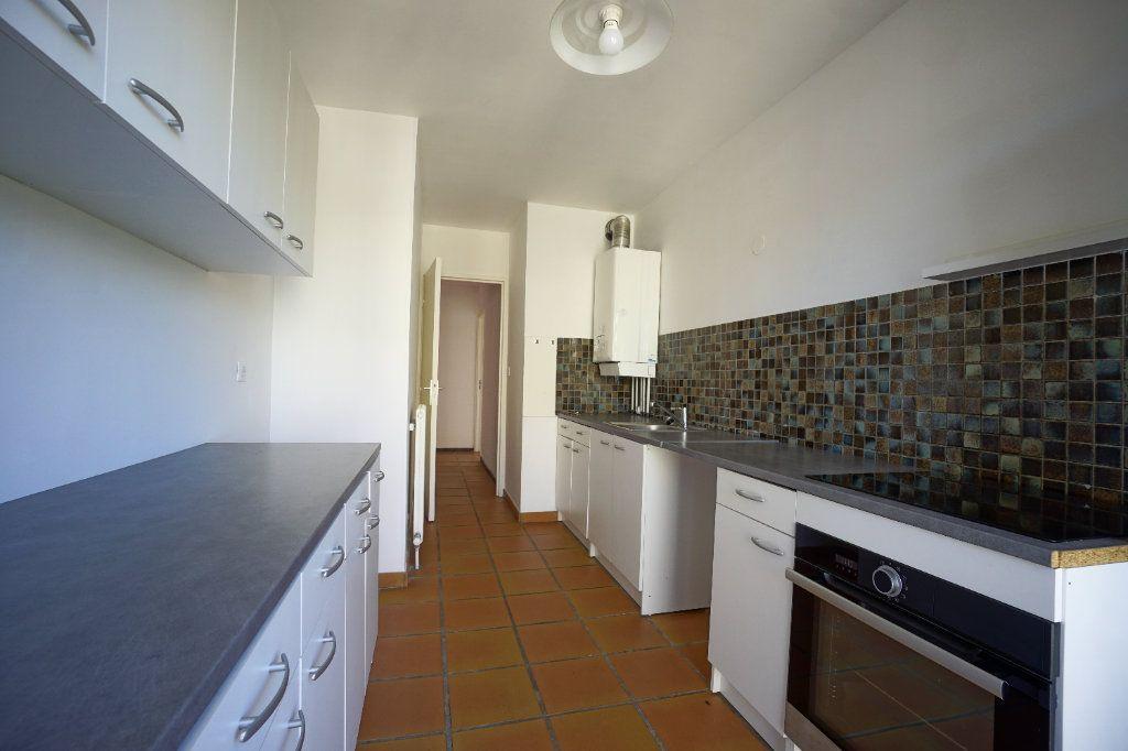 Appartement à louer 4 85.26m2 à Le Cannet vignette-9