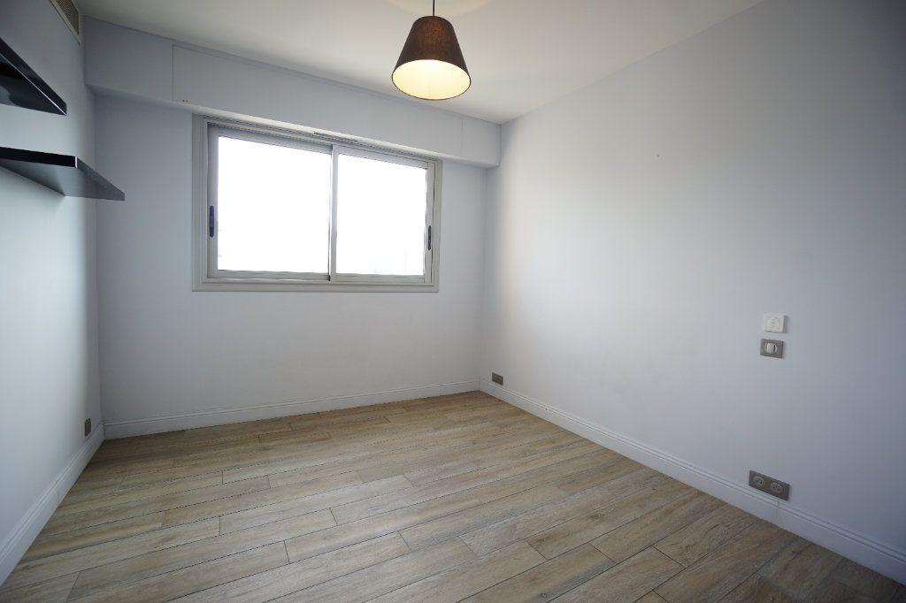 Appartement à louer 2 40.36m2 à Le Cannet vignette-5
