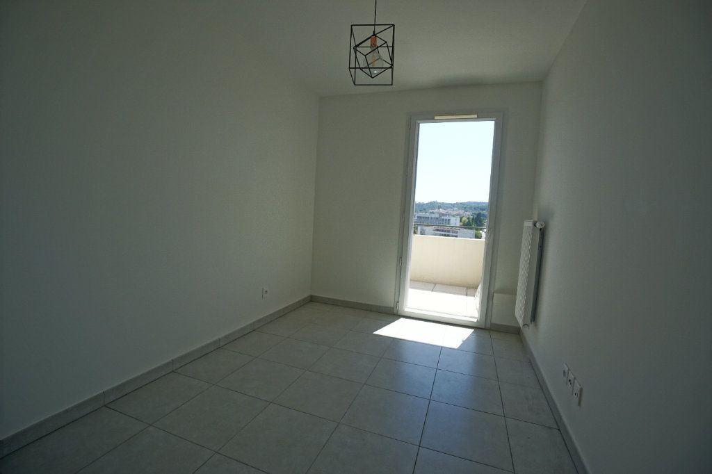 Appartement à louer 3 60.51m2 à Le Cannet vignette-5