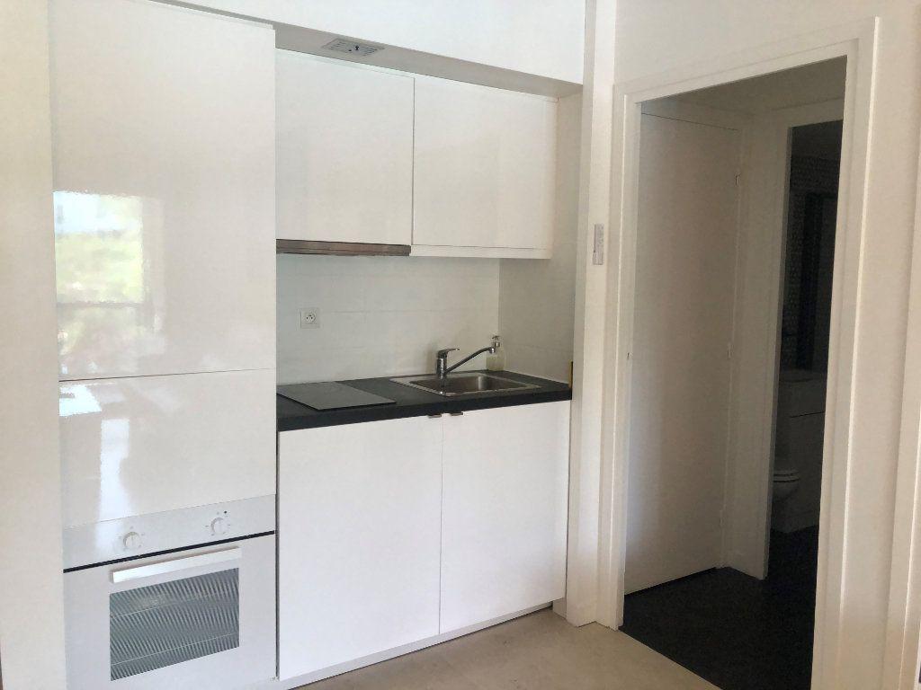 Appartement à louer 2 31.39m2 à Mougins vignette-6