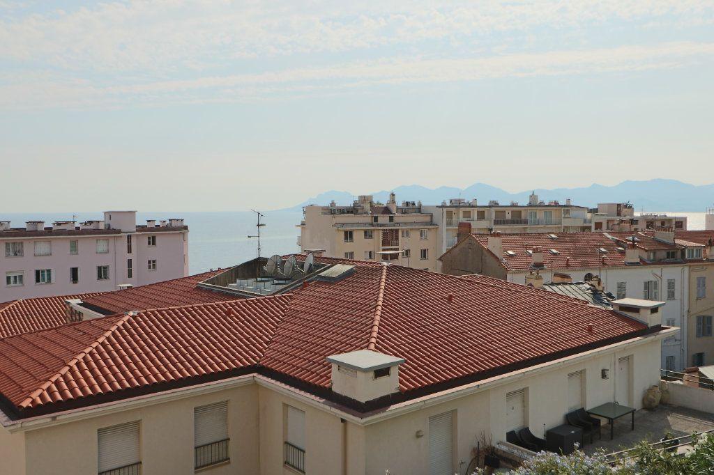 Appartement à vendre 2 42.73m2 à Cannes vignette-3