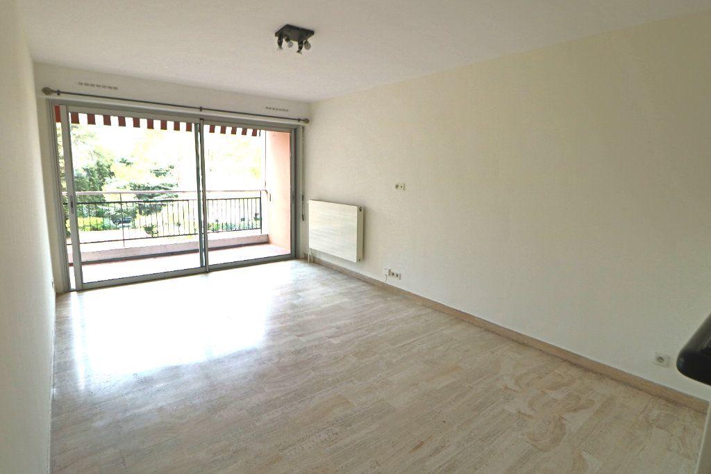 Appartement à vendre 3 64m2 à Le Cannet vignette-2