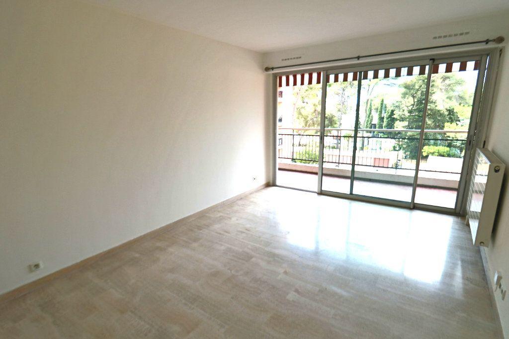 Appartement à vendre 3 64m2 à Le Cannet vignette-4