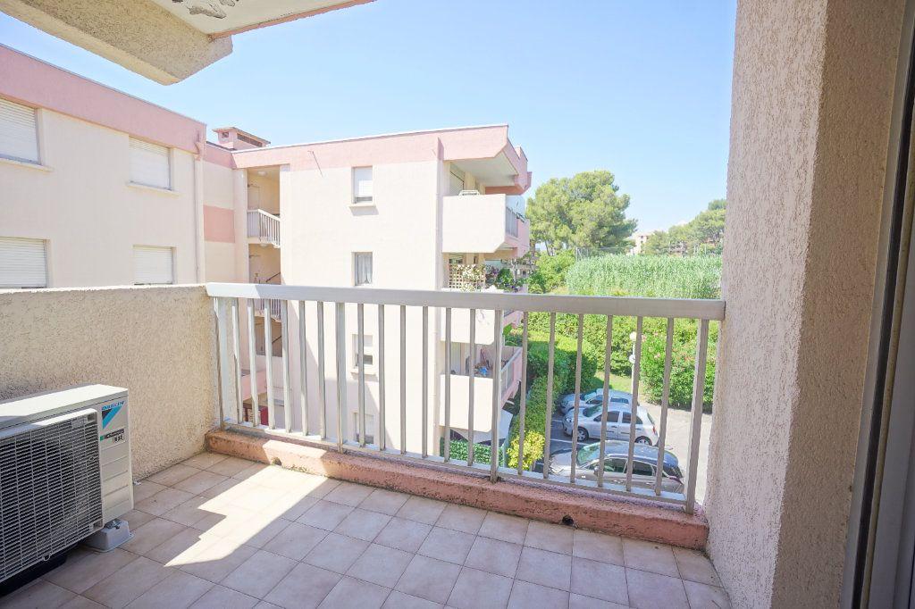 Appartement à louer 2 50.02m2 à Le Cannet vignette-1
