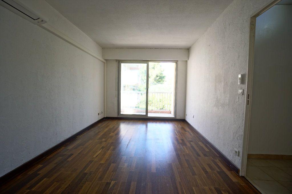 Appartement à louer 2 50.02m2 à Le Cannet vignette-3
