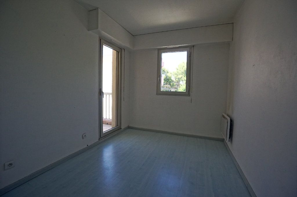Appartement à louer 2 50.02m2 à Le Cannet vignette-6