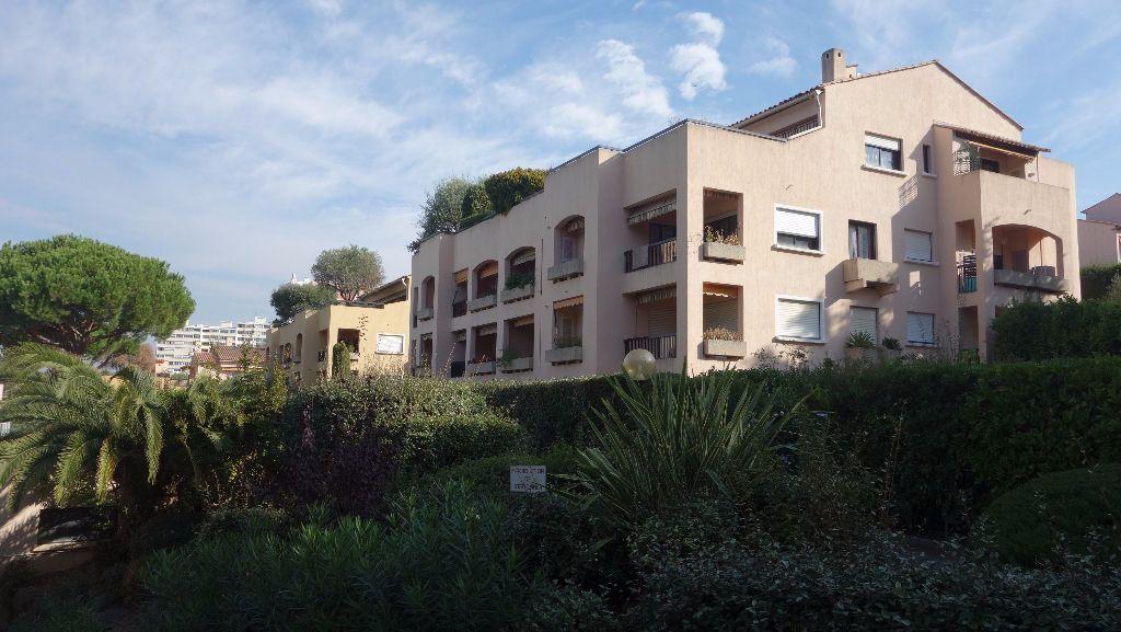 Appartement à louer 2 51.22m2 à Cannes vignette-2