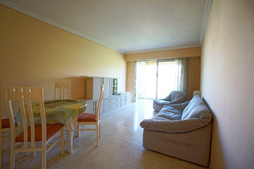 Appartement à louer 2 41.66m2 à Le Cannet vignette-1