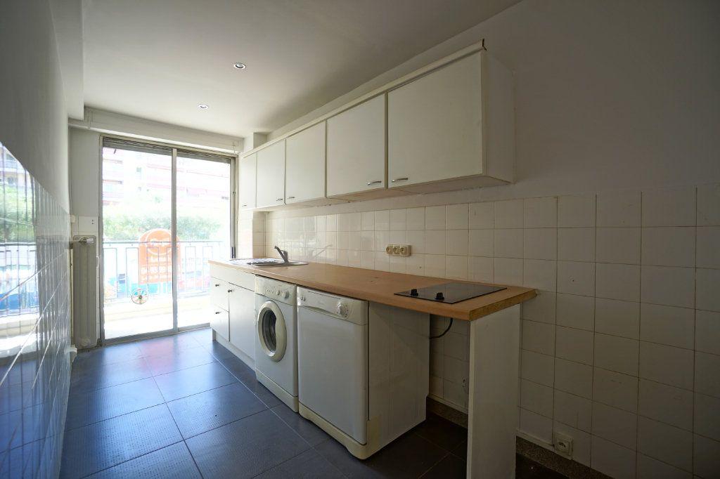 Appartement à louer 2 50.14m2 à Le Cannet vignette-5