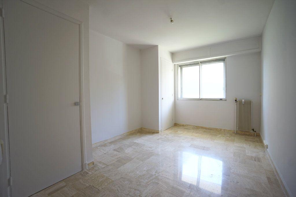 Appartement à louer 2 50.14m2 à Le Cannet vignette-6