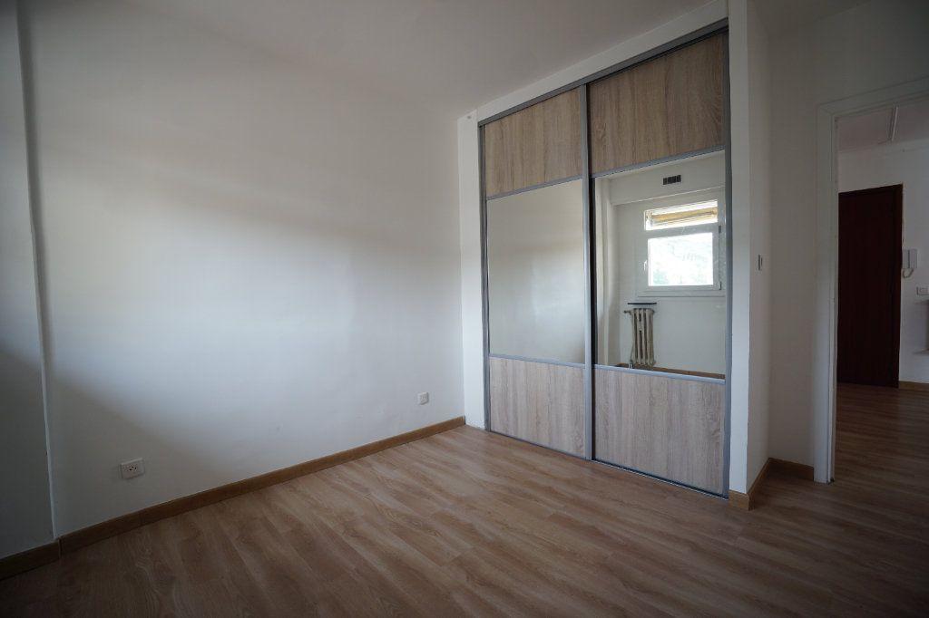 Appartement à louer 2 38.71m2 à Cannes vignette-3