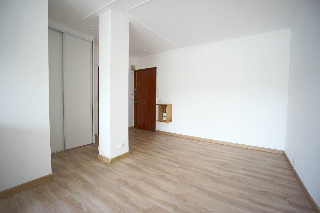Appartement à louer 2 38.71m2 à Cannes vignette-4