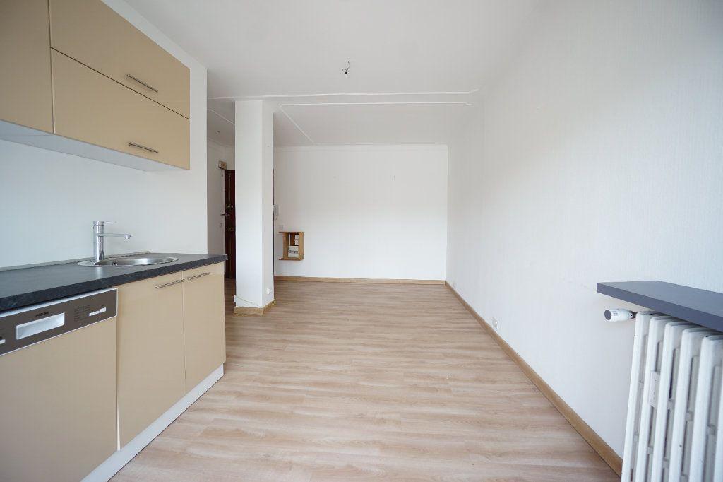 Appartement à louer 2 38.71m2 à Cannes vignette-5