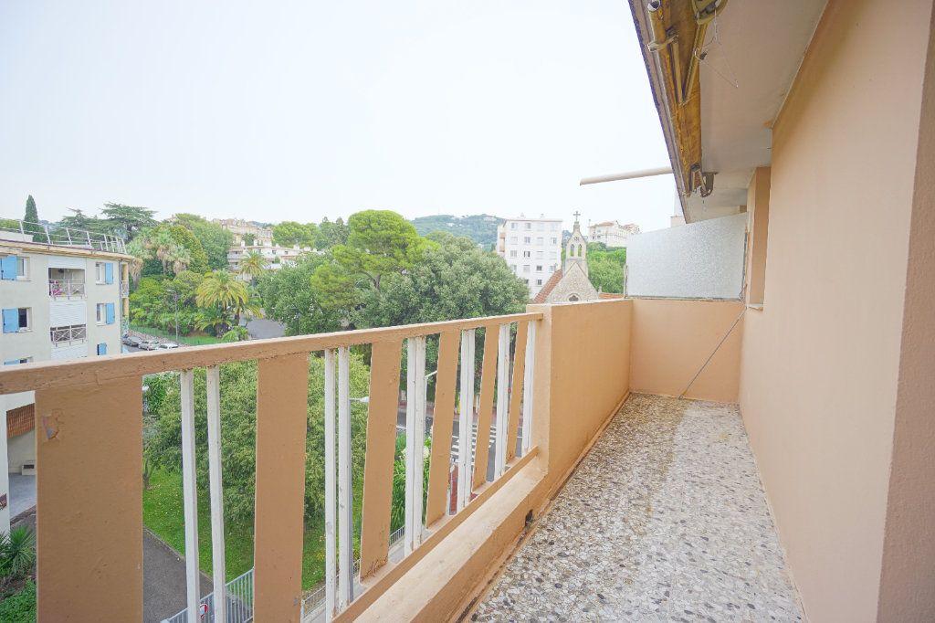 Appartement à louer 2 38.71m2 à Cannes vignette-6